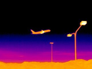 An airplane as seen with the mid wave thermal imager